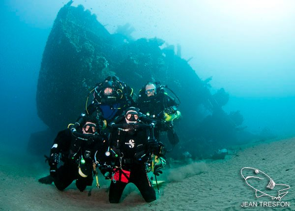 wreck diving aliwal shoal